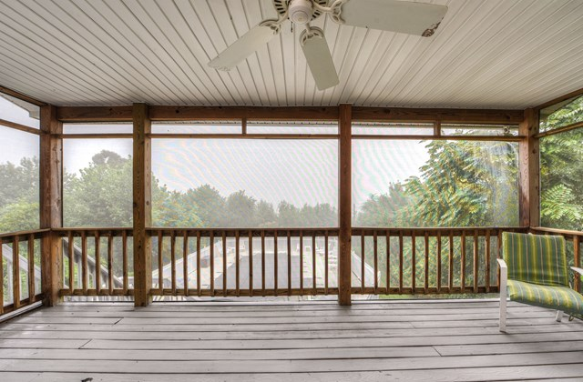 Upper Level Screened Porch
